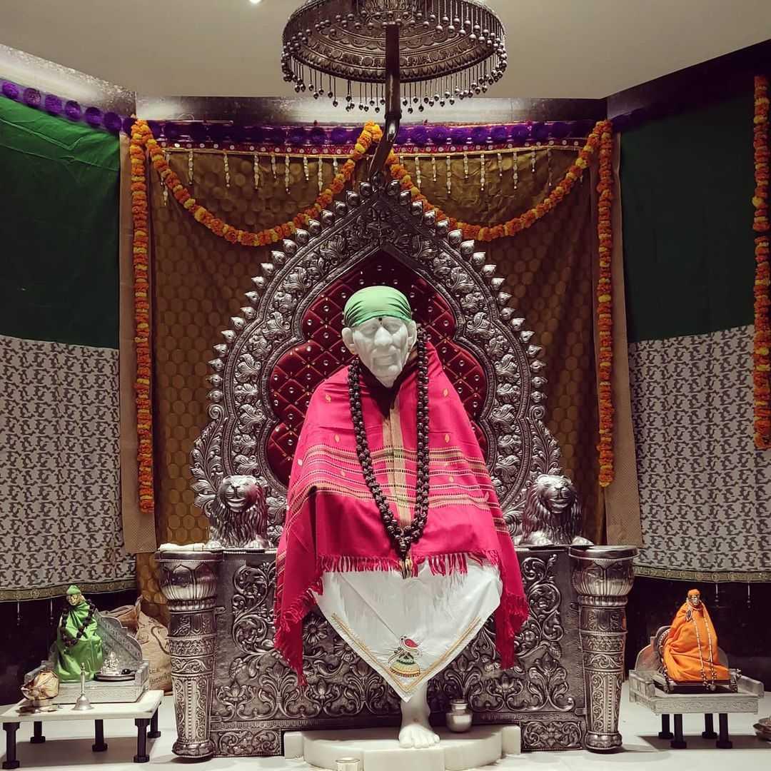 Best Shirdi Sai Baba Ka Mandir Ka New Wallpaper - Our website share best lord sai baba wallpaper hd quality. Download free lord sai ram fresh wallpaper for pc.