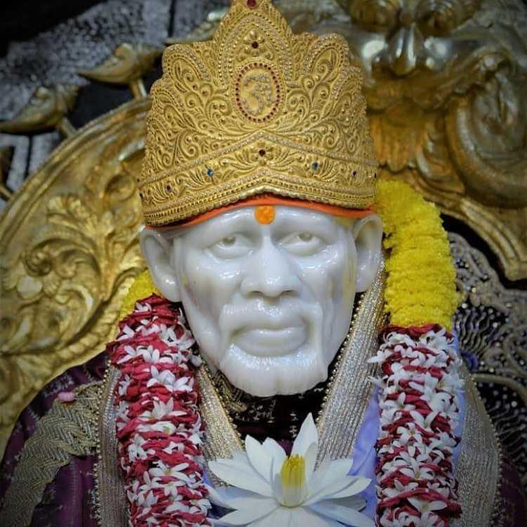 Sai Baba Golden Mukut Picture - Sai Baba Golden Mukut Picture